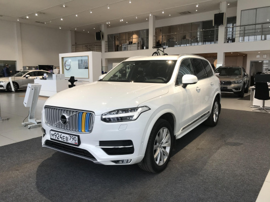 Volvo XC90 2.0d AT (235 л.с.) 4WD